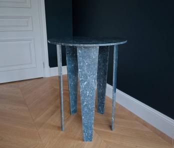 Коктейльний стіл з мармуру